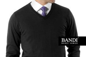 Příklad elegantního outfitu s košilí a kravatou